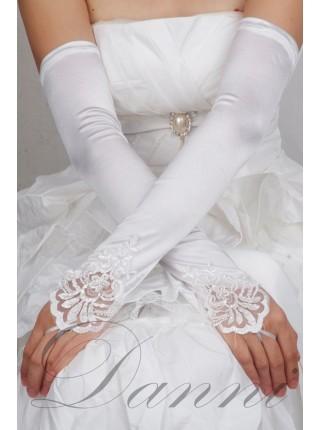 Белые длинные перчатки