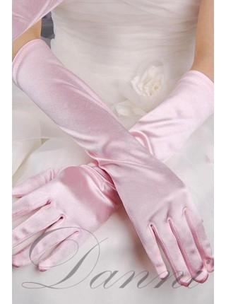 Длинные розовые перчатки