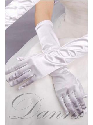 Длинные белые перчатки